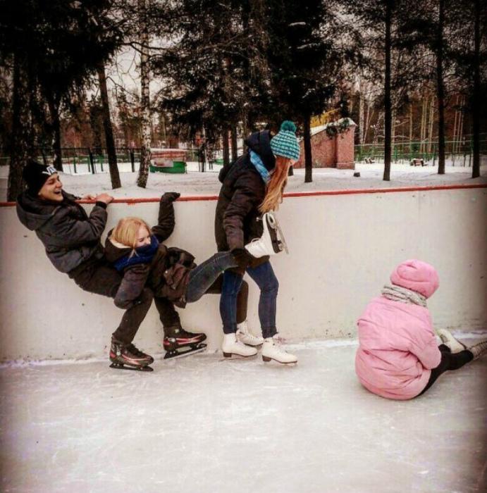 «Каток - это весело», - говорили они! | Фото: Поросёнка.нет.