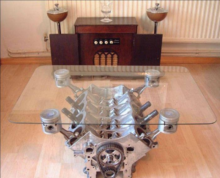 Журнальный столик из двигателя.