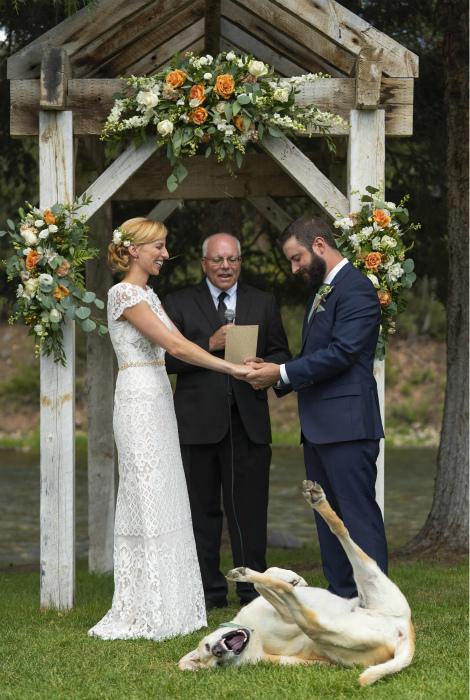Безудержное веселье. | Фото: Weddings Today.