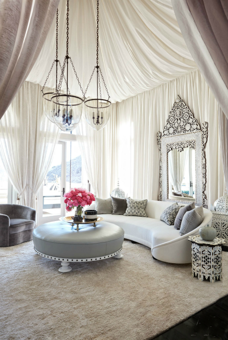 Романтичный интерьер гостиной.