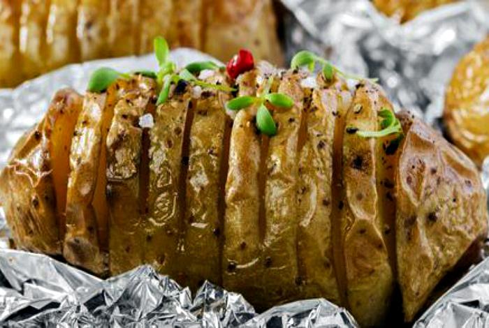 Картофель с беконом и сыром. | Фото: Tochka.net.