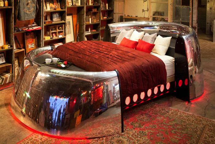 Дизайнерская кровать.