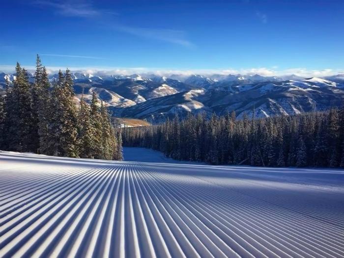 Идеальный лыжный спуск.