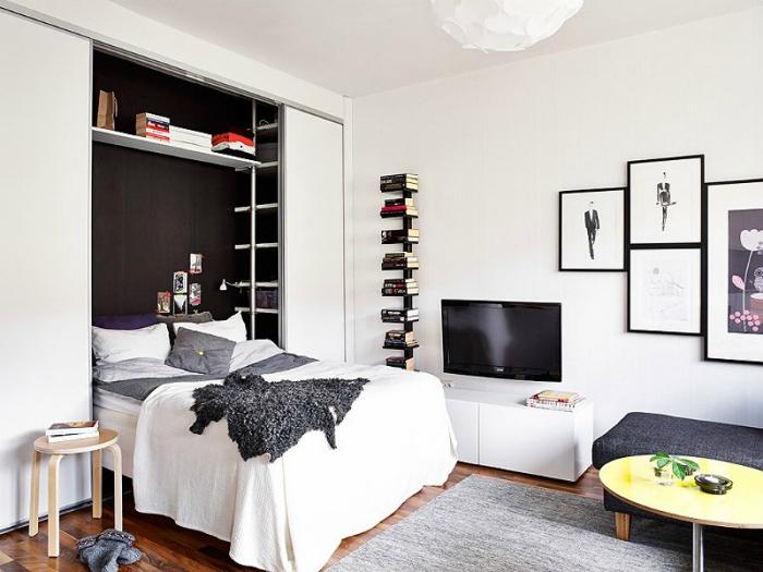 Спальня в гостиной.