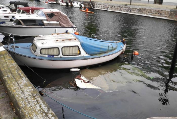 Лодка благополучия пошла ко дну... | Фото: Reddit.