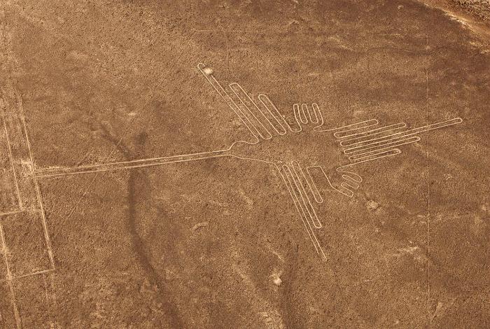 Гигантские рисунки, сохранившиеся с глубокой древности, которые можно увидеть только с высоты.