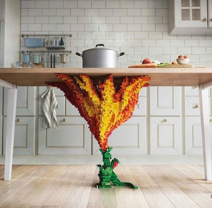 Стол с необычной ножкой. | Фото: Pinterest.