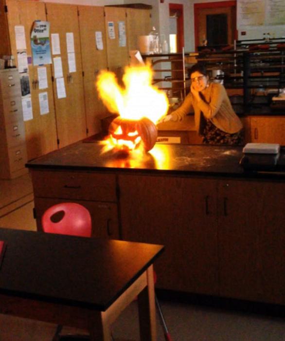 Когда учительница с огоньком.