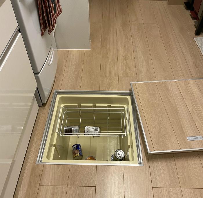 Морозильная камера в полу. | Фото: Picstagram.net.
