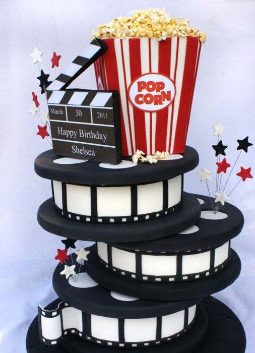 Многослойный торт для фанатов кинематографа.