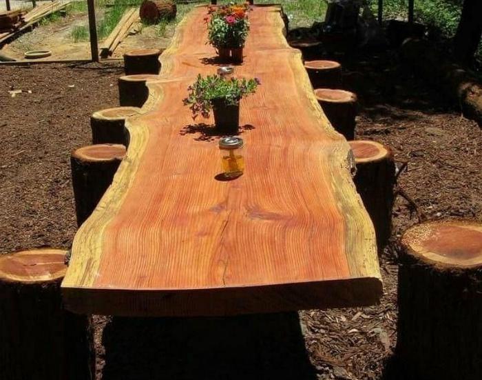 Массивный обеденный стол. | Фото: Секреты уютного дома.