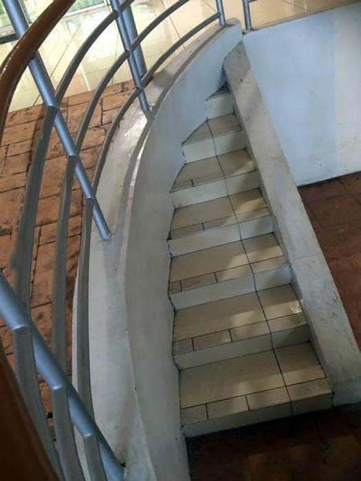 Крошечная лестница.