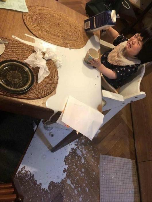 По усам текло, по столу текло, по полу текло, а в рот не попало! | Фото: Вообще, ОГОНЬ!.