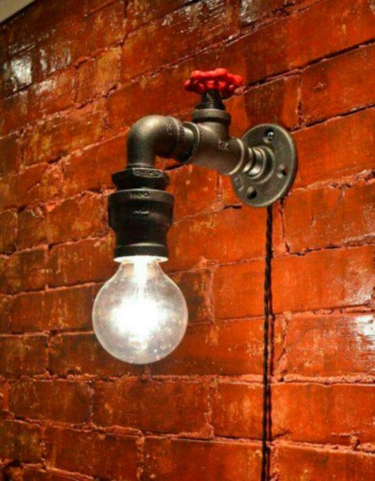 Настенный светильник из крана.