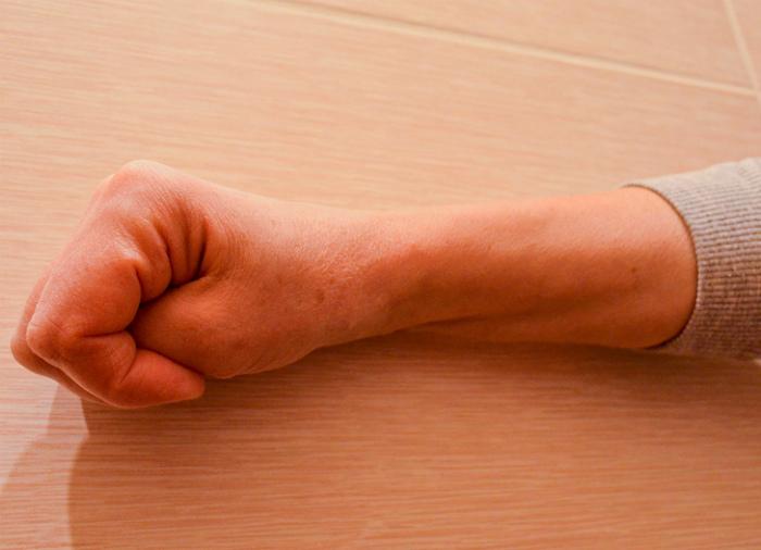 В одну секунду остановить рвотный рефлекс.| Фото: AdMe.