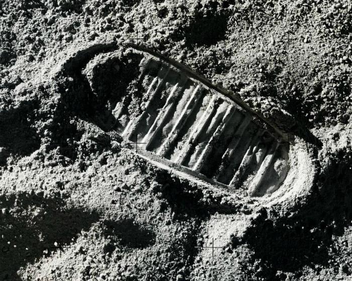 След первого человека на Луне. | Фото: Cadena SER.
