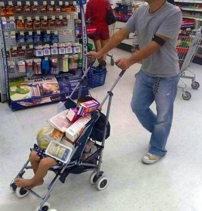 Этот веселый шопинг с отцом. | Фото: Drivepedia.