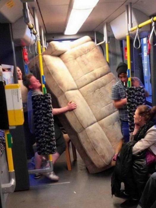 «С диваном в автобусе? Легко!»