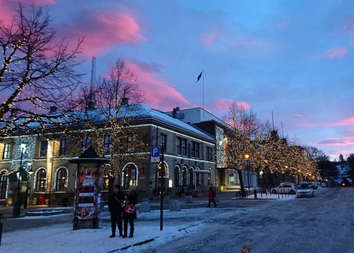Граждане Норвегии платят в половину меньше налогов перед Новым Годом.