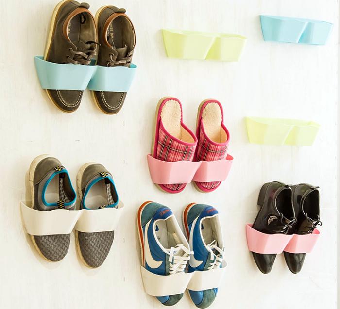 Текстильные «карманы» для обуви.
