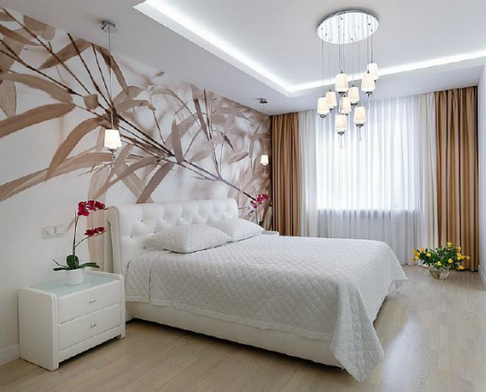 Светлая спальня в классическом стиле.