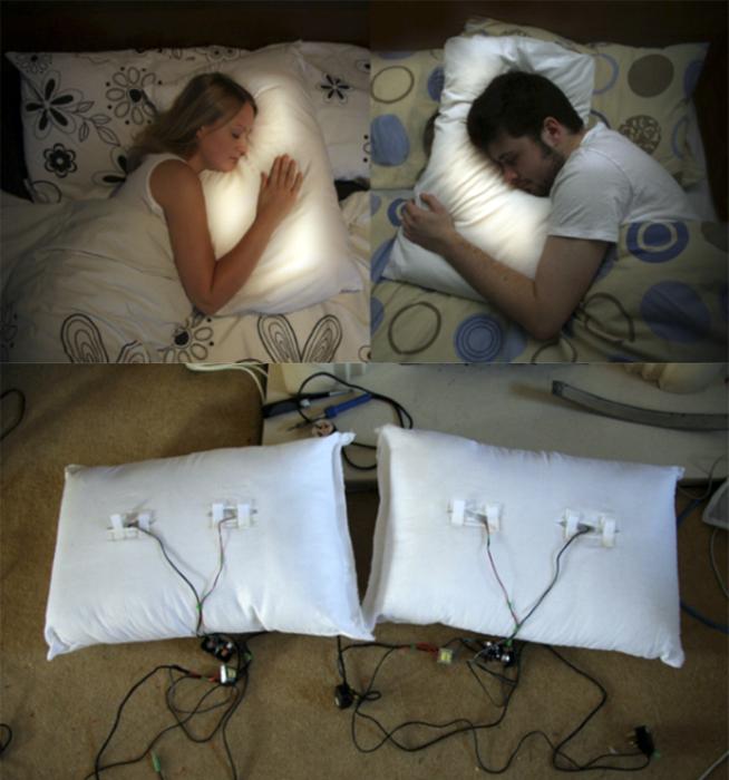 Подушки Pillow Talk, транслирующие сердцебиение.