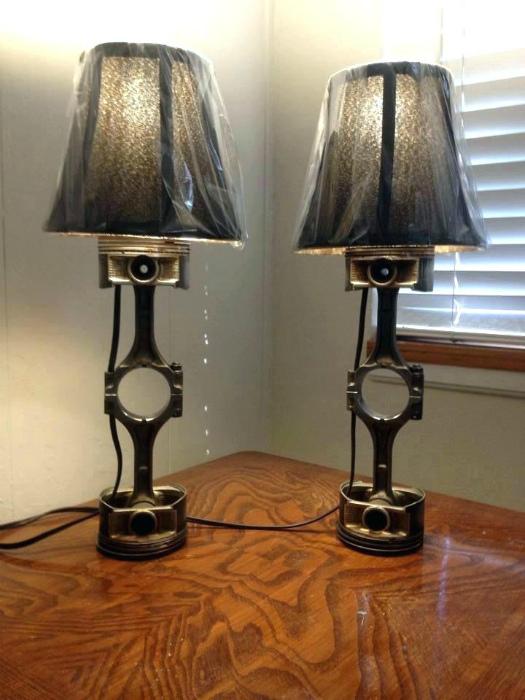 Оригинальные настольные лампы.