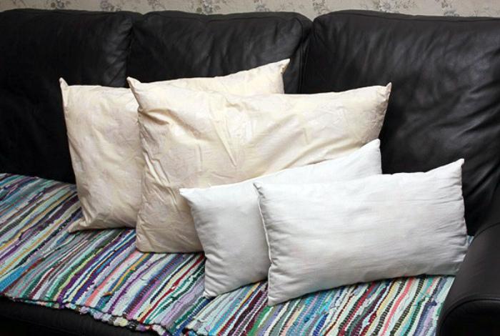 Старые подушки.|  Фото: LiveJournal.