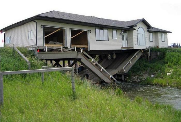 Дом над рекой. | Фото: hodor.lol.