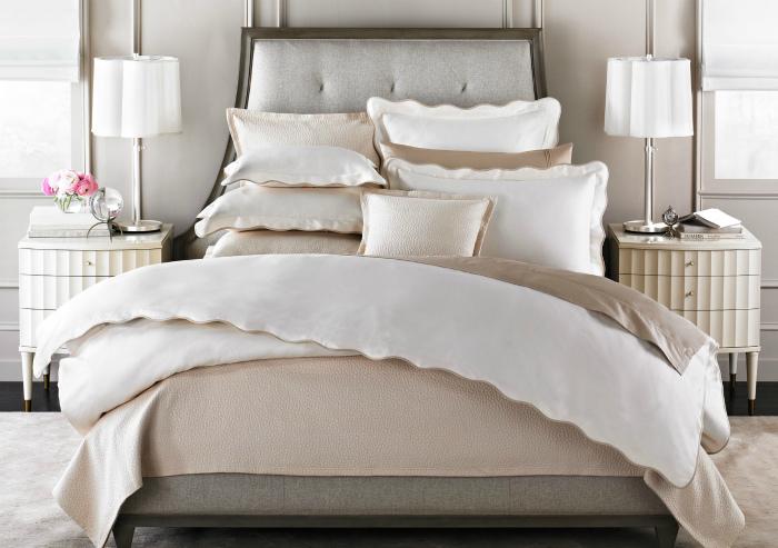 Огромное количество подушек. | Фото: Интерьеры Экстра Класса.