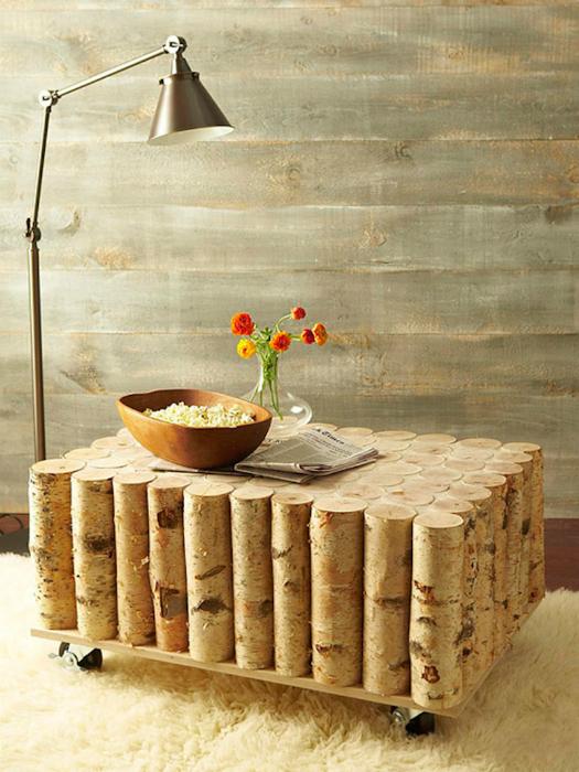 Журнальный столик из поленьев.