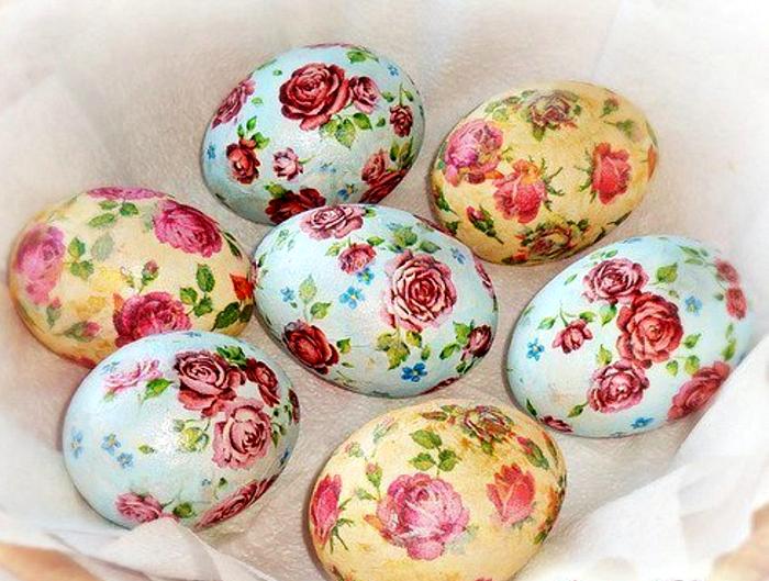 Декор яиц в технике декупаж.