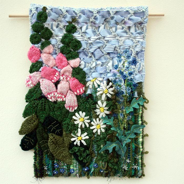 Картина из текстиля.