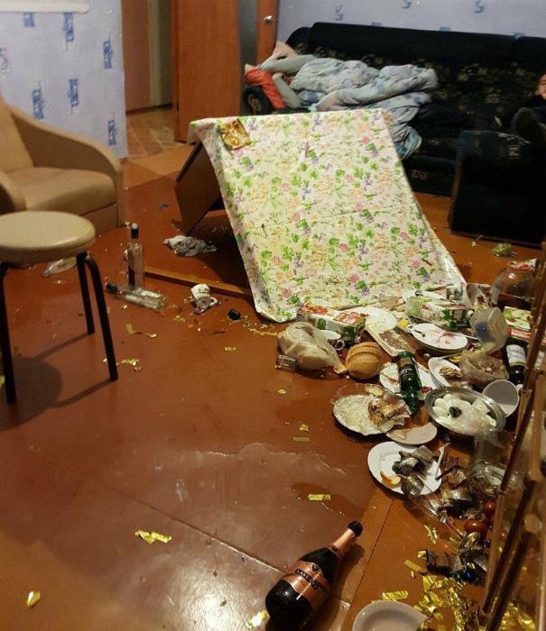Крушение праздничного стола.