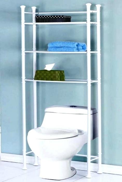 Стеллаж в туалете. | Фото: Aprende Con Genesis.