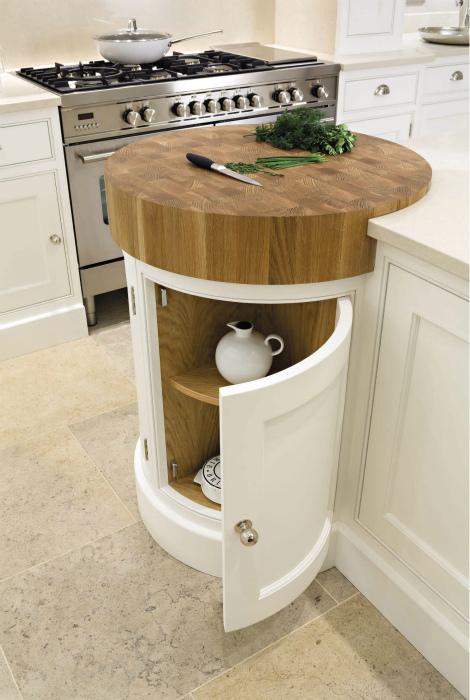Цилиндрический шкаф с разделочной доской. | Фото: Pinterest.