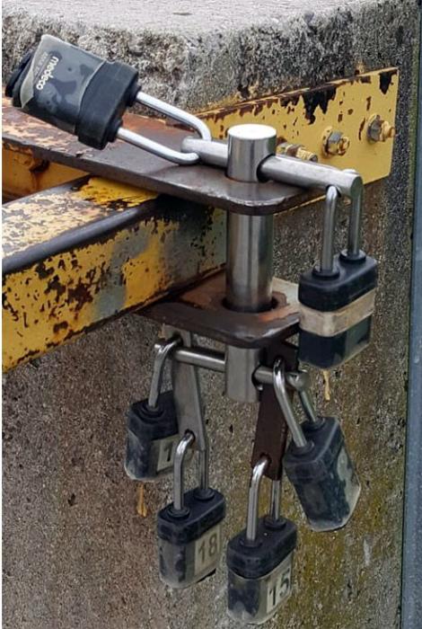 То неловкое чувство, когда потерял ключ от седьмого замка. | Фото: Chert-poberi.ru.