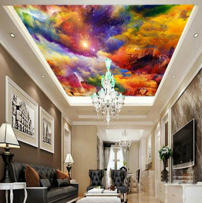 Натяжной потолок с яркой картиной в центре.