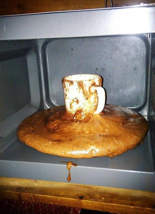 «Упс, кажется, кекс вырвался на свободу!» | Фото: Funnyjunk.