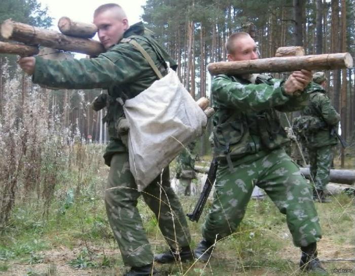 Учимся давать отпор воображаемому противнику, воображаемым оружием.