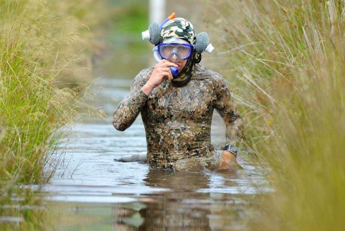 Дайвинг в болоте. | Фото: Inkhel.com.