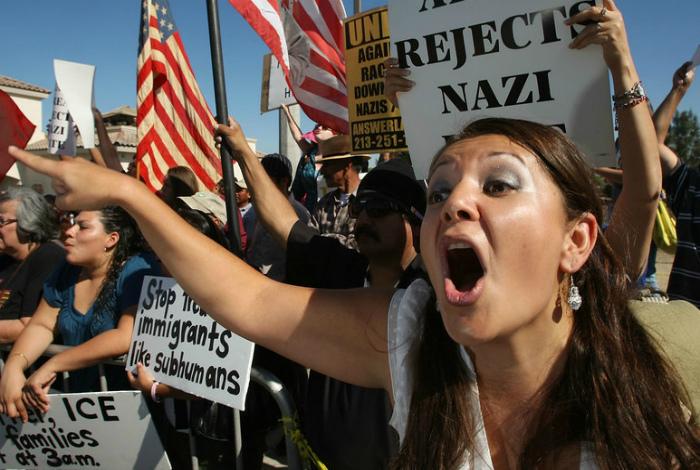 Вечные протесты и недовольство.