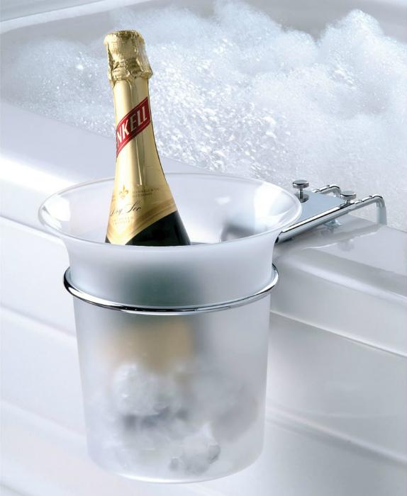 Ведро для шампанского.