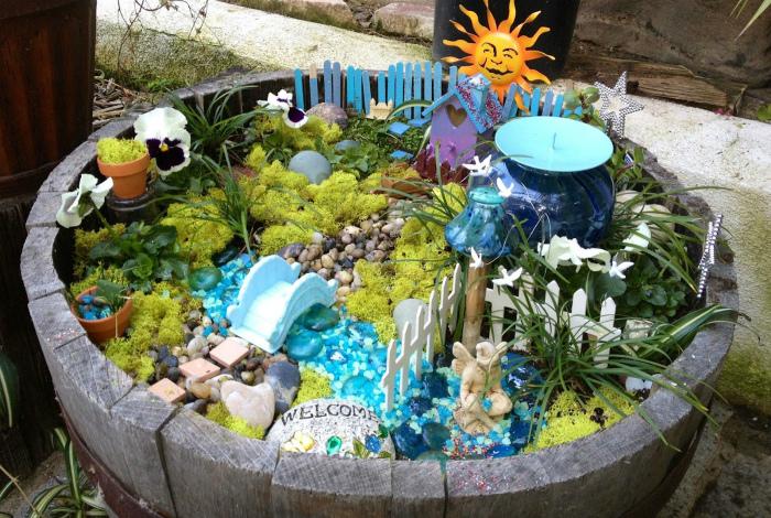 Декоративный сад в корыте.