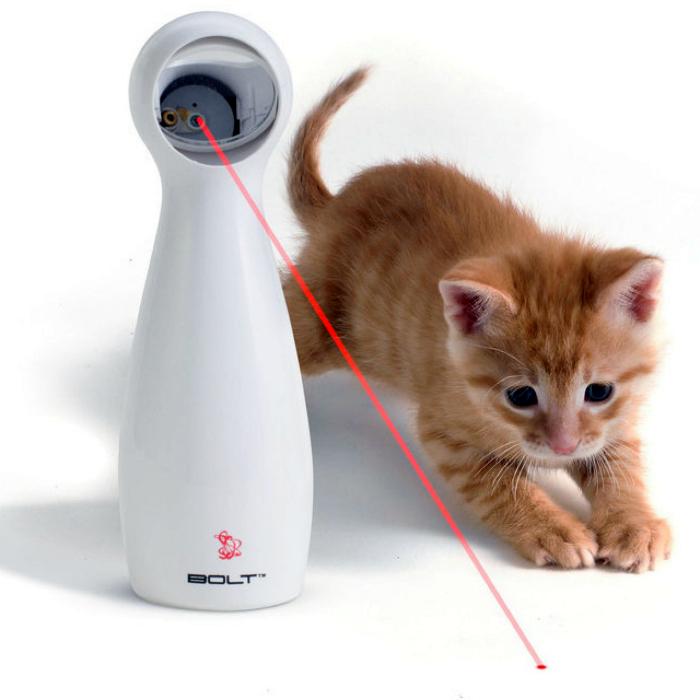 Лазерная игрушка для котов FroliCat Bolt.