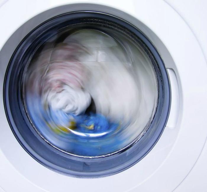Не давайте стиральной машинке отдыхать. | Фото: Terrafemina.