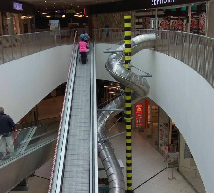 Горки вместо лестниц. | Фото: Filing.pl.
