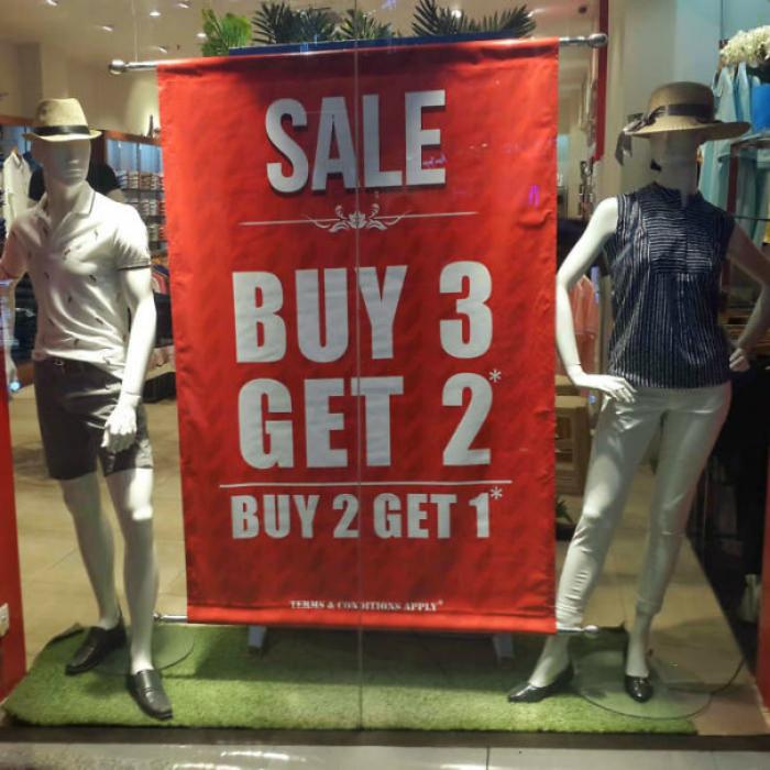 «Покупай 3, получай две».