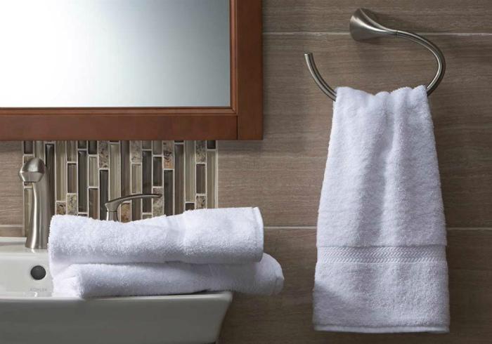 Маленькое полотенце и полотенце среднего размера. | Фото: the news and blogs.