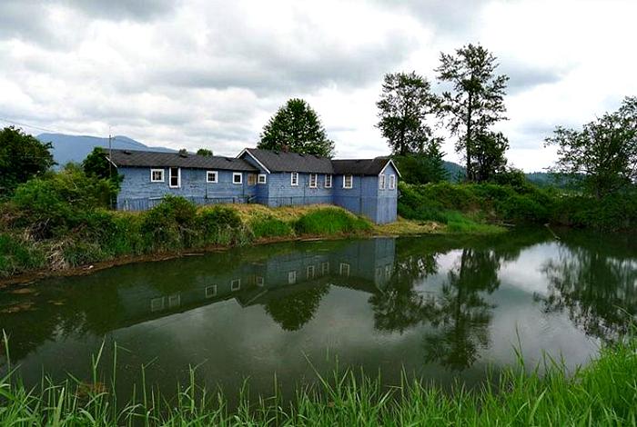 Дом в сельской местности.